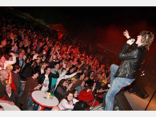 - 1041805588-stimmung-mallorca-party-northeim-waldbuehne-hd34