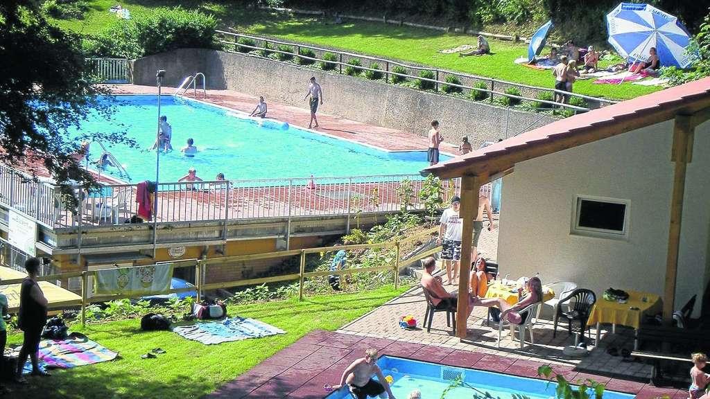 Schwimmbad Singhofen