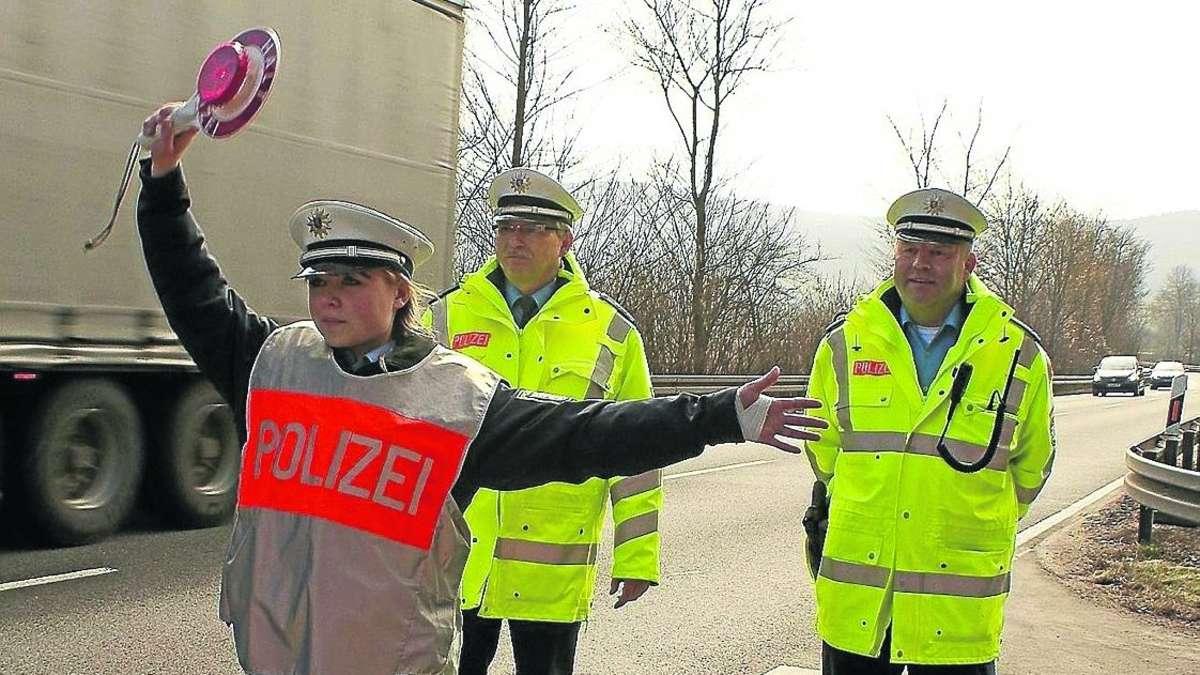 polizeisch ler berpr ften 95 fahrzeuge an der b 27 bei burg ludwigstein witzenhausen. Black Bedroom Furniture Sets. Home Design Ideas