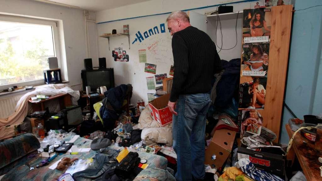 zur ck blieb chaos messie verm llte wohnung und verschwand kassel. Black Bedroom Furniture Sets. Home Design Ideas