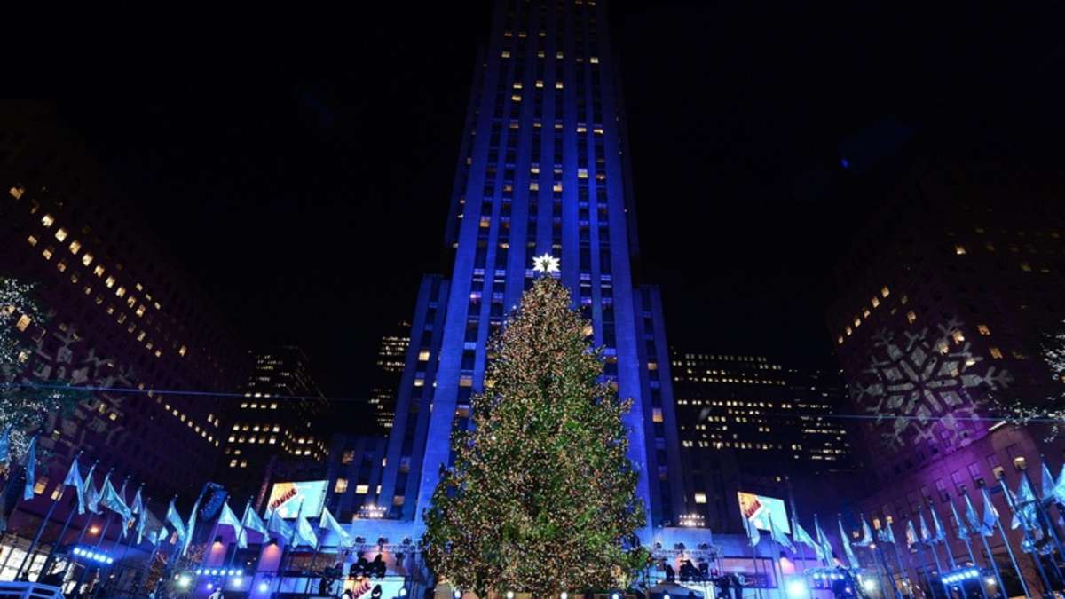 weihnachtsbaum am rockefeller center leuchtet wieder welt. Black Bedroom Furniture Sets. Home Design Ideas