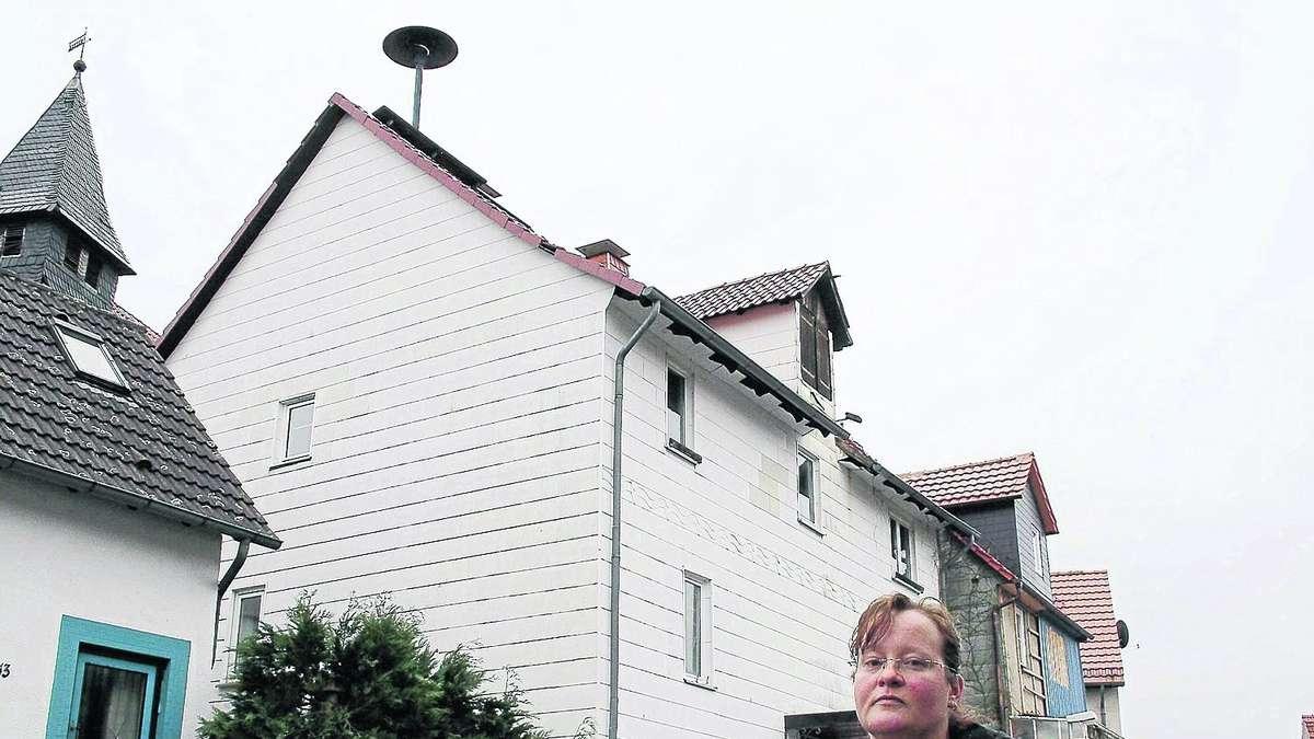 schauenburg haus streit um sirene auf dem dach kreis kassel. Black Bedroom Furniture Sets. Home Design Ideas