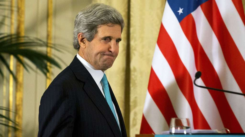 John Kerry in Paris