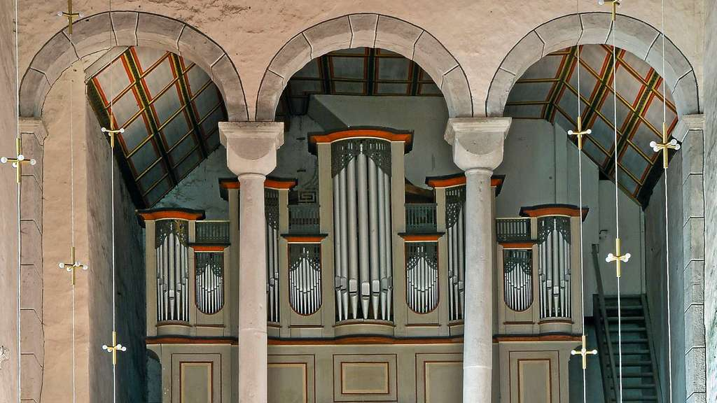 alte orgel in der stiftskirche stiftung verdoppelt jeden spenden euro kreis kassel. Black Bedroom Furniture Sets. Home Design Ideas