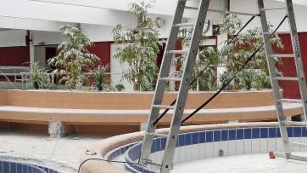 aqua park reparatur kostet euro baunatal. Black Bedroom Furniture Sets. Home Design Ideas