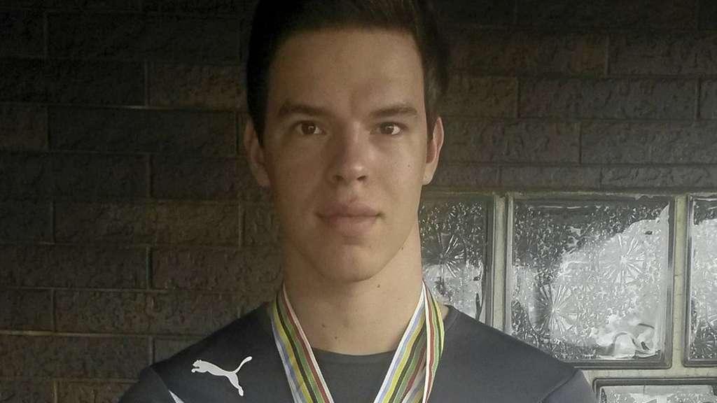 Der Weltmeister: <b>Michael Reith</b>, dekoriert mit Gold- und Silbermedaille. - 1701935302-5f800131-409b-4f29-886b-b6106c55342c-1wl5b9B5a7