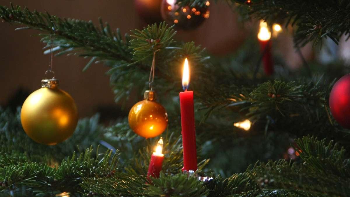umfrage die meisten deutschen feiern weihnachten mit der. Black Bedroom Furniture Sets. Home Design Ideas