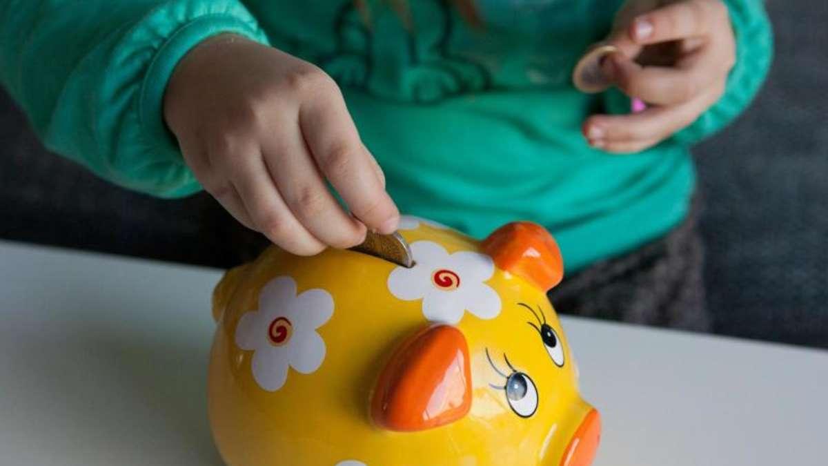 taschengeld trainiert bei kindern den umgang mit geld welt. Black Bedroom Furniture Sets. Home Design Ideas