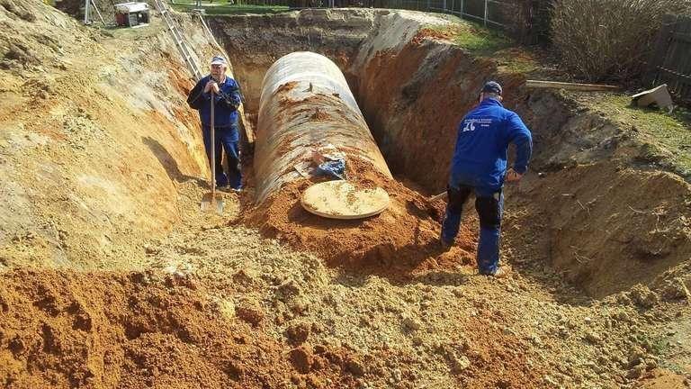 Start in Sichelnstein: Der neue Löschwassertank liegt in der Erde im Eingangsbereich de Spielplatzes. Eine weitere Löschwasserzisterne entsteht derzeit in Nienhagen. Foto:Gemeinde Staufenberg