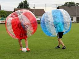 Fotos: HNA-Redaktion testet Funsport Bubbleball