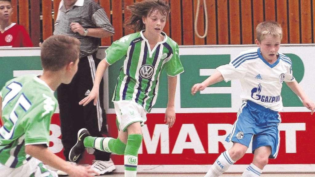 Schalke 04 gewinnt den sonnenhof junioren cup der sg for Koch schalke 04