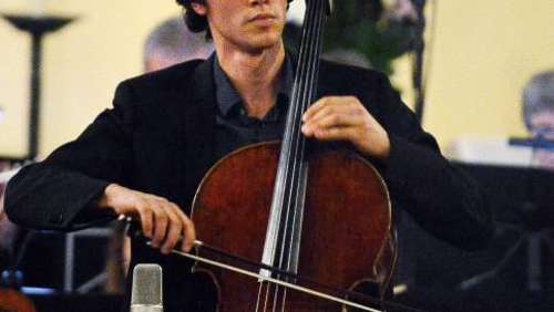 Feuriges Cello: Sinfonieorchester in der Friedenskirche