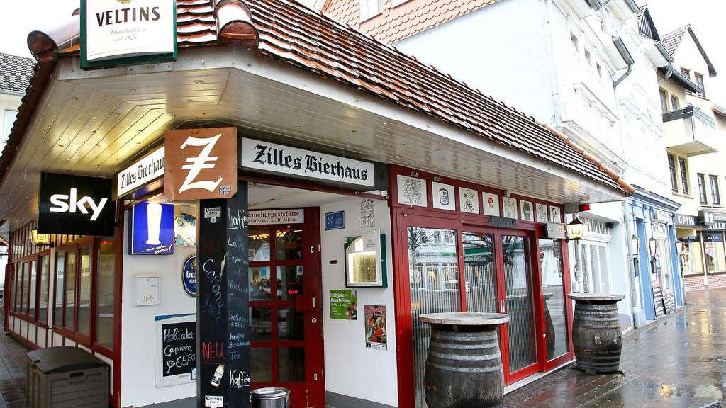 Fremde umarmt 21-Jährigen in Eschweger Kneipe: Handy weg