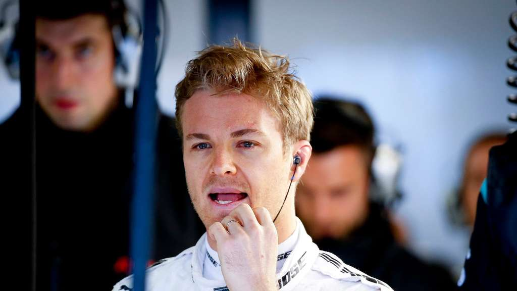 formel 1 schlechter start f r sebastian vettel und nico rosberg in melbourne sport. Black Bedroom Furniture Sets. Home Design Ideas