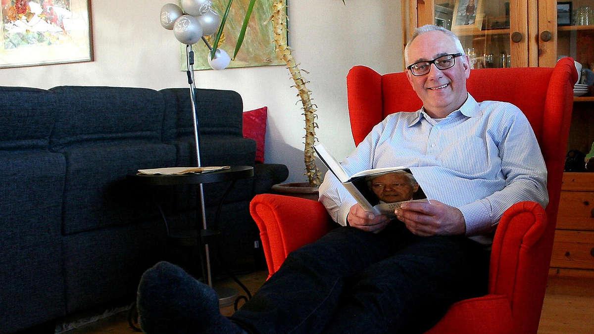 uwe j ger als neuer b rgermeister von lohfelden eingef hrt lohfelden. Black Bedroom Furniture Sets. Home Design Ideas