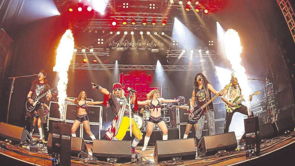 The Ultimate 80's Rock Show aus Kalifornien: John Diva & The Rockets of Love spielen beim Schlossparkfestival. Repro: Schmeil