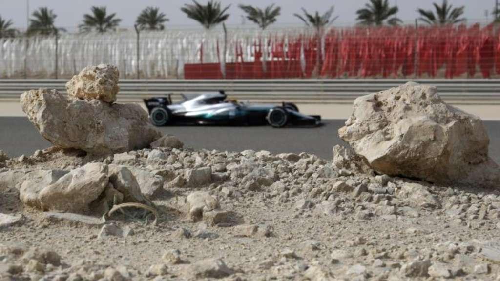 Hamilton rast in Shanghai vor Vettel zur Pole Position