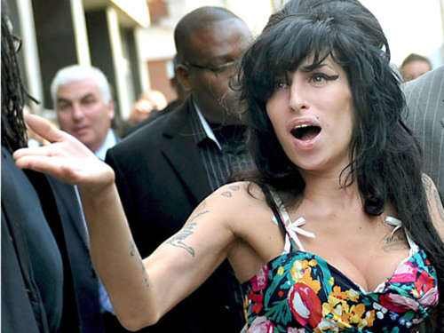 Amy Winehouse: Tätlicher Angriff im Theater
