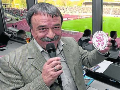 KSV Hessen Kassel: Stadionsprecher Charly Wimmer im Interview