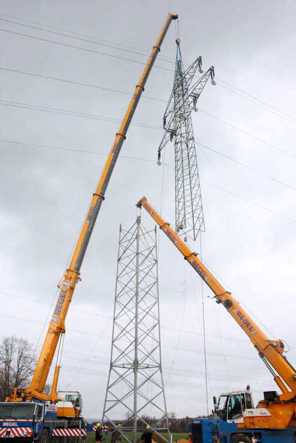 Atemberaubend Wiremold Strommasten Bilder - Schaltplan Serie Circuit ...