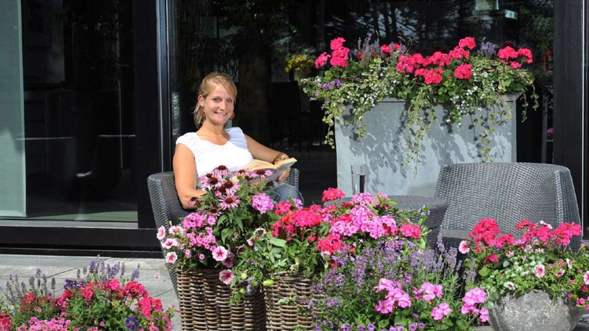 Frohlich Gemixt Den Sommerurlaub Auf Balkon Und Terrasse Holen