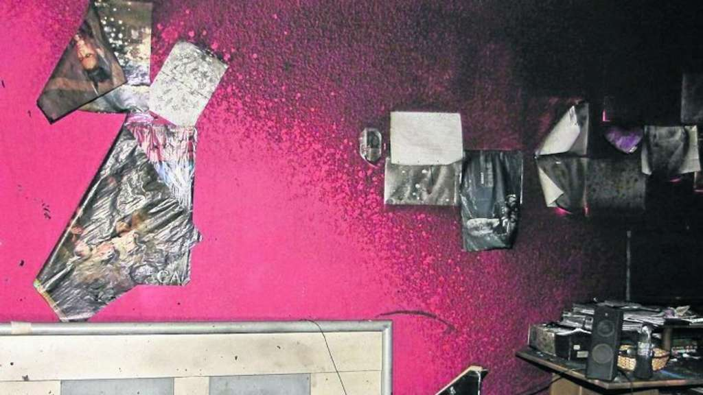 ellenberg brand verw stete zimmer einer 16 j hrigen melsungen. Black Bedroom Furniture Sets. Home Design Ideas