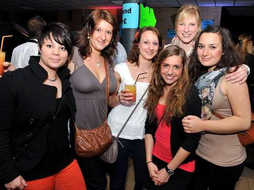 Semester Shake-In: Uniparty in der Ing-Schule