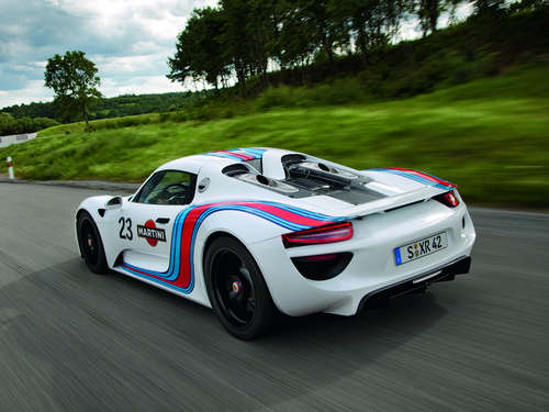 Der Porsche 918 Spyder im Martini-Racing-Look
