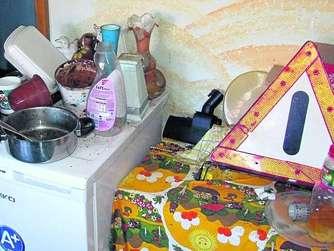 messies hinterlassen schrottwohnung in olberode schwalmstadt. Black Bedroom Furniture Sets. Home Design Ideas
