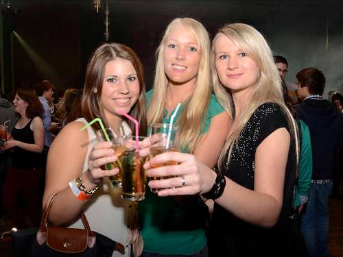 "Erstsemester feiern ""Shake In""-Party"