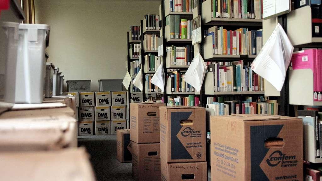 Abfluss Am Dach War Verstopft Wasserschaden In Unibibliothek