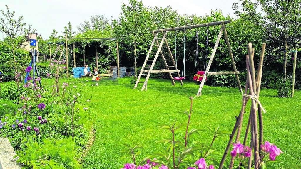 Das Grün Putzt Sich Heraus In Acht Schritten Zum Schönen Rasen