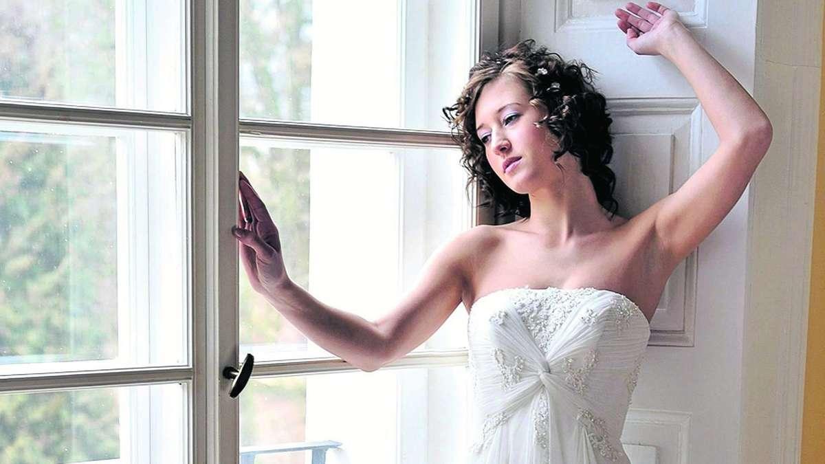 Birne, Apfel oder Sanduhr - Passende Hochzeitskleider für jede Figur ...