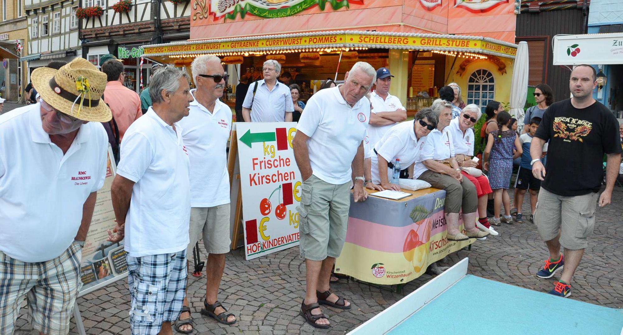 Weiser ist Deutscher Meister 2013 im Kirschsteinspucken | Witzenhausen