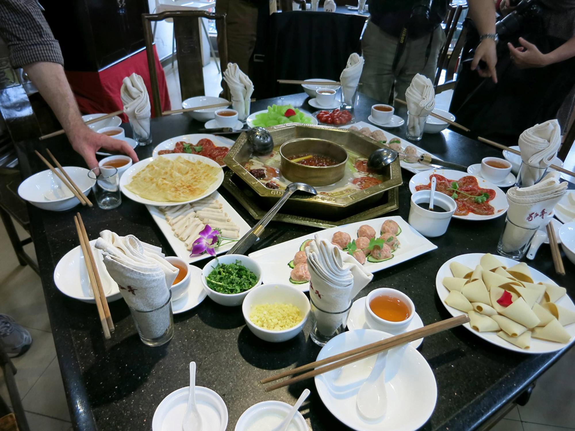 Ausgezeichnete Küche, Welterbestätten, spektakuläre Natur: Sichuan ...