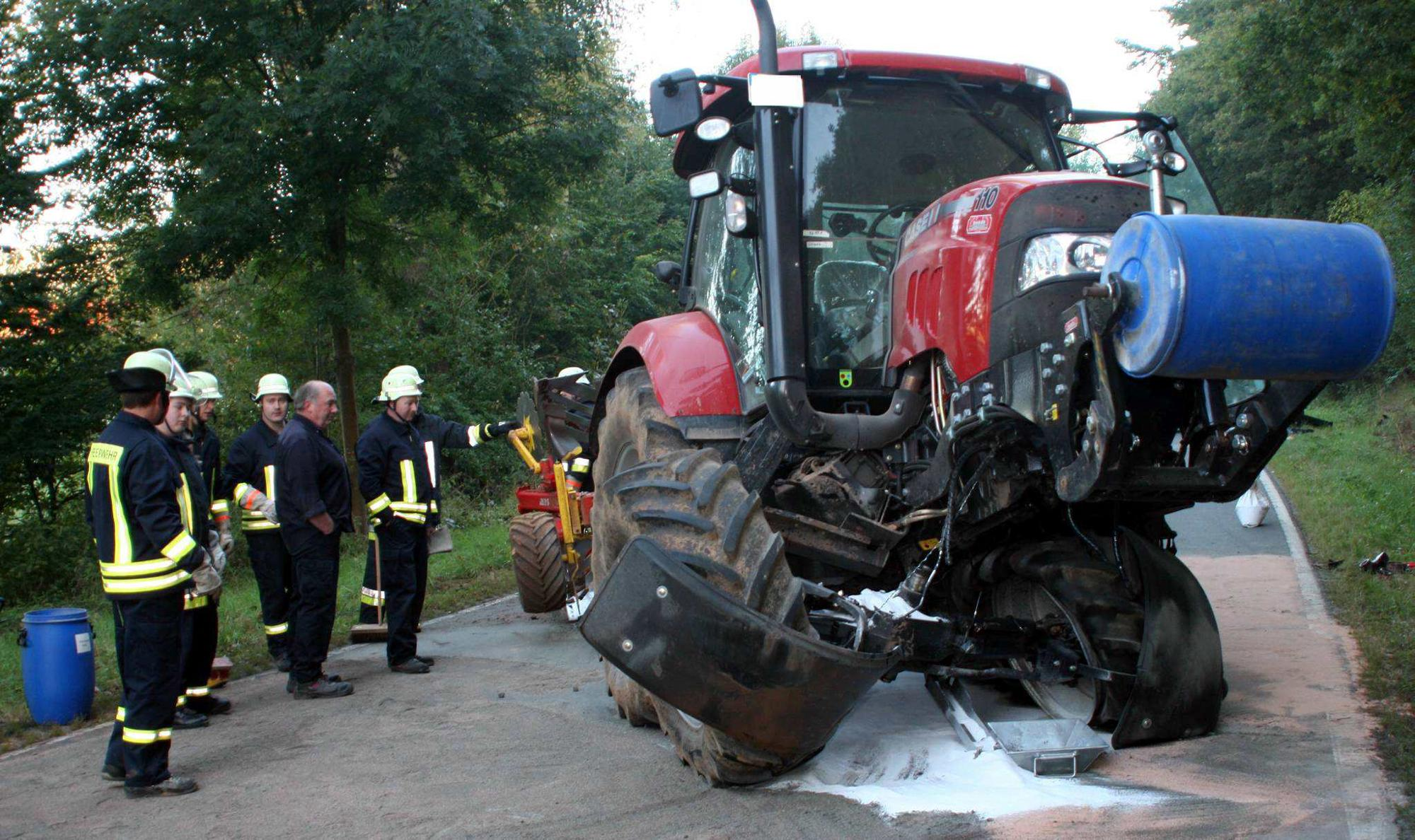 Verkehrsunfall bei Römershausen: Audi stieß gegen Schlepper ...