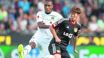 96 Beim 0 2 In Leverkusen Chancenlos Diouf Erneut Verletzt