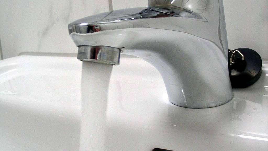 ab sonntag gelten neue grenzwerte f r trinkwasser blei den hahn abgedreht kassel. Black Bedroom Furniture Sets. Home Design Ideas