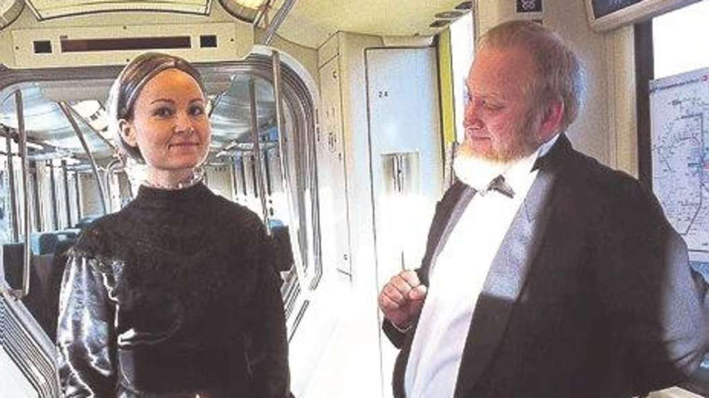 Generalprobe: Miss Sophie und James beim Test in der Regiotram. Foto:  privat / nh