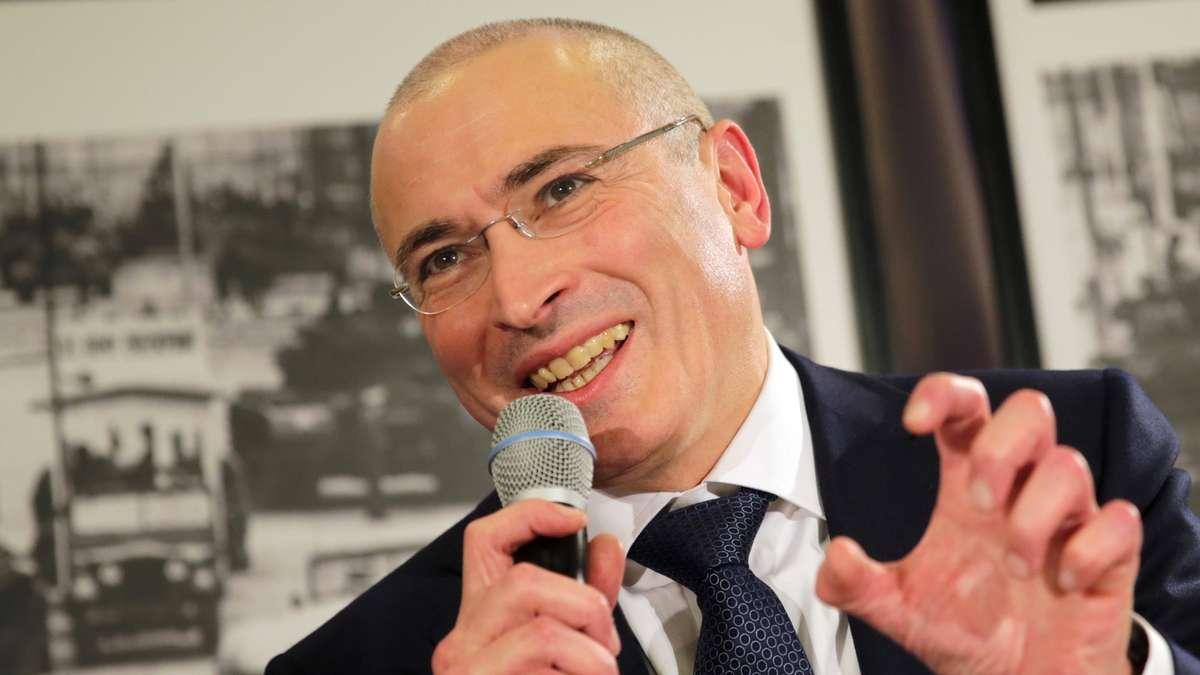 Новая атака Ходорковского: представители олигарха защищают видео с извращенцами