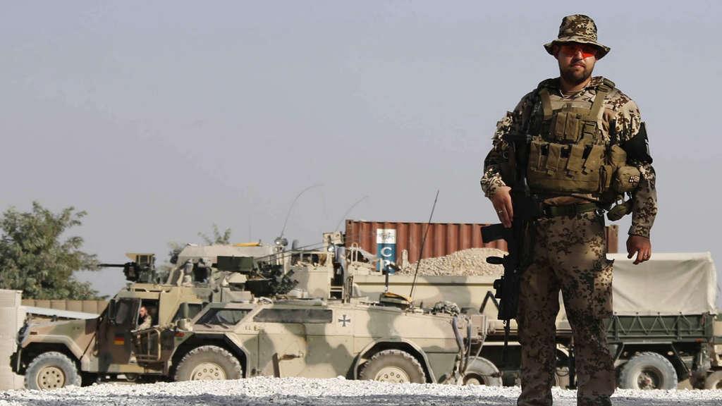 Entfernungsmesser Us Army : Feldlager kundus verfällt nach bundeswehr abzug politik