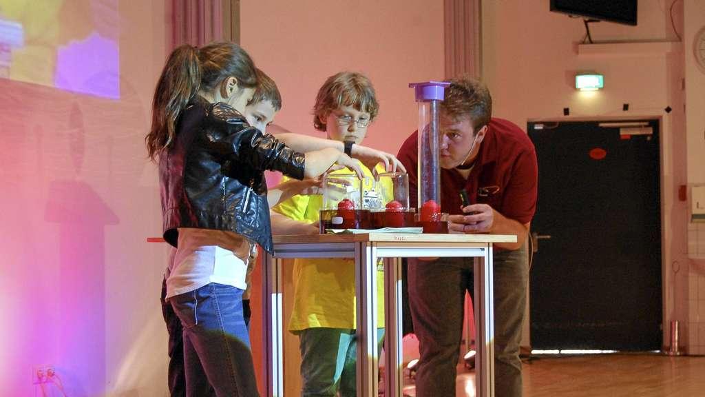 physik show bei der kinder uni zauberhaftes f r m dchen und jungen g ttingen. Black Bedroom Furniture Sets. Home Design Ideas