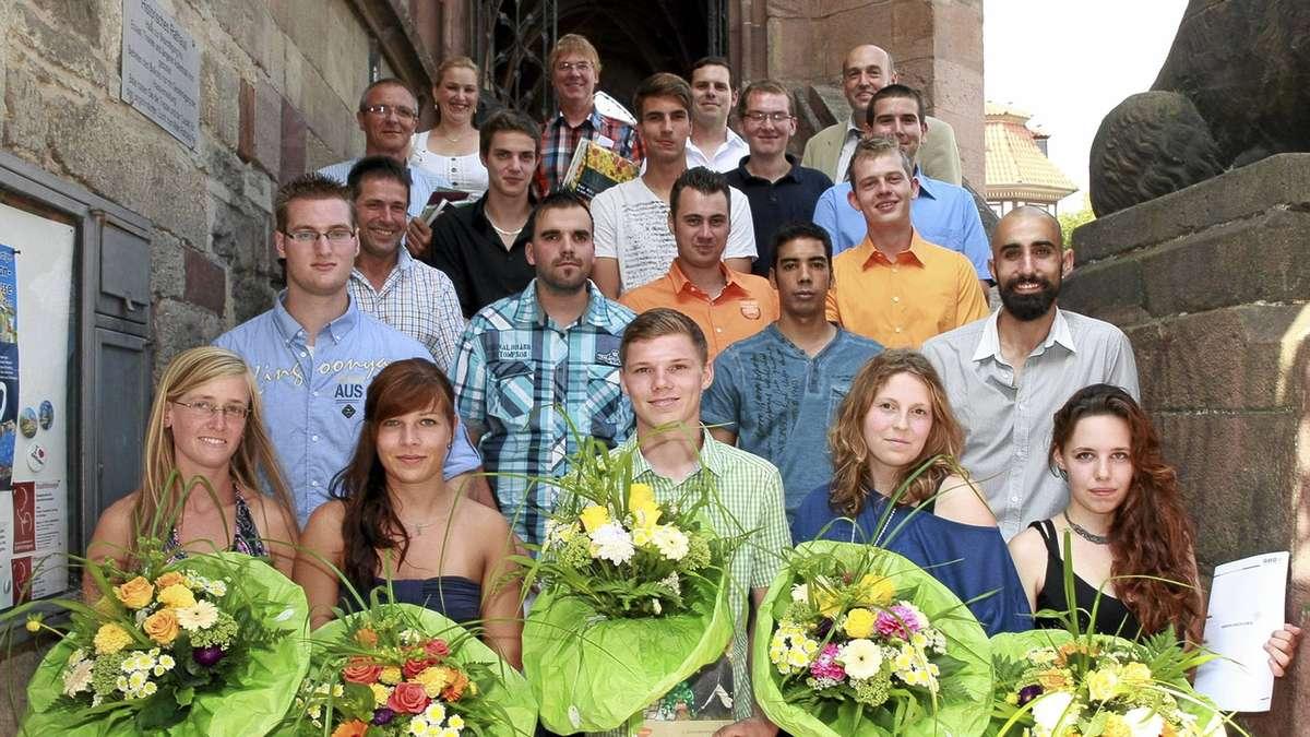 Gesellenbriefe Fur 20 Junge Gartner Aus Sudniedersachsen Gottingen