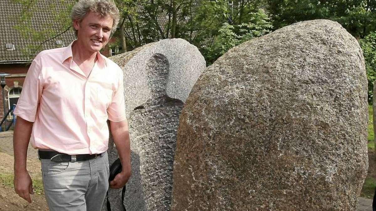 stein monument in neu eichenberg erinnert an damalige ddr. Black Bedroom Furniture Sets. Home Design Ideas