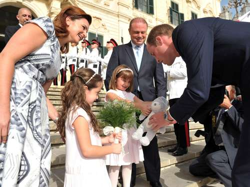 Prinz William vertritt Kate in Malta