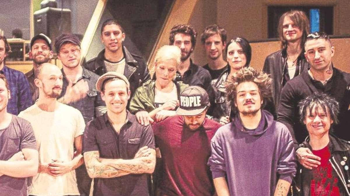 Ein deutsches Lied für Afrika: Band Aid mit Milky Chance | Kultur