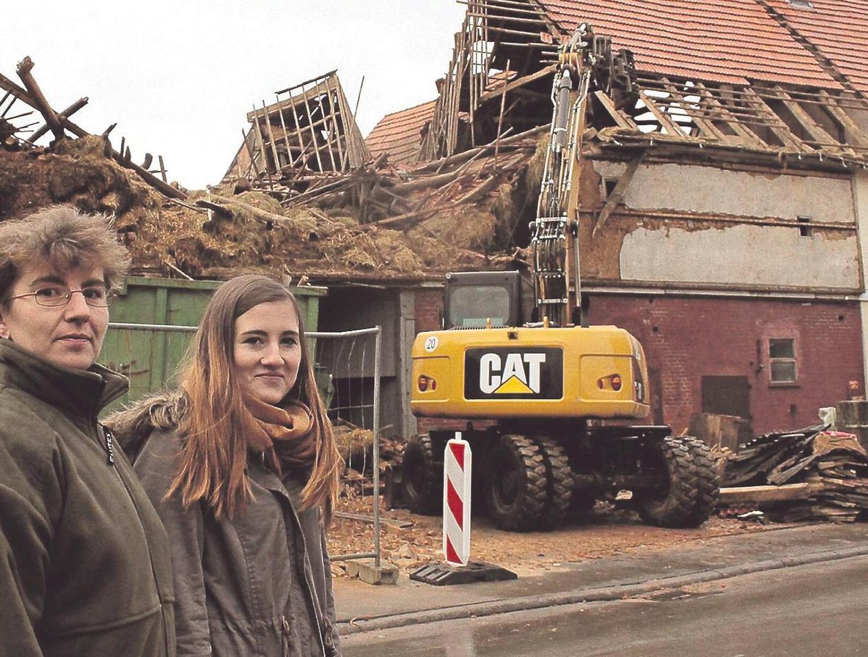 Favorit Abriss der alten Scheune in Oberelsungen war Omas letzter Wunsch OI87