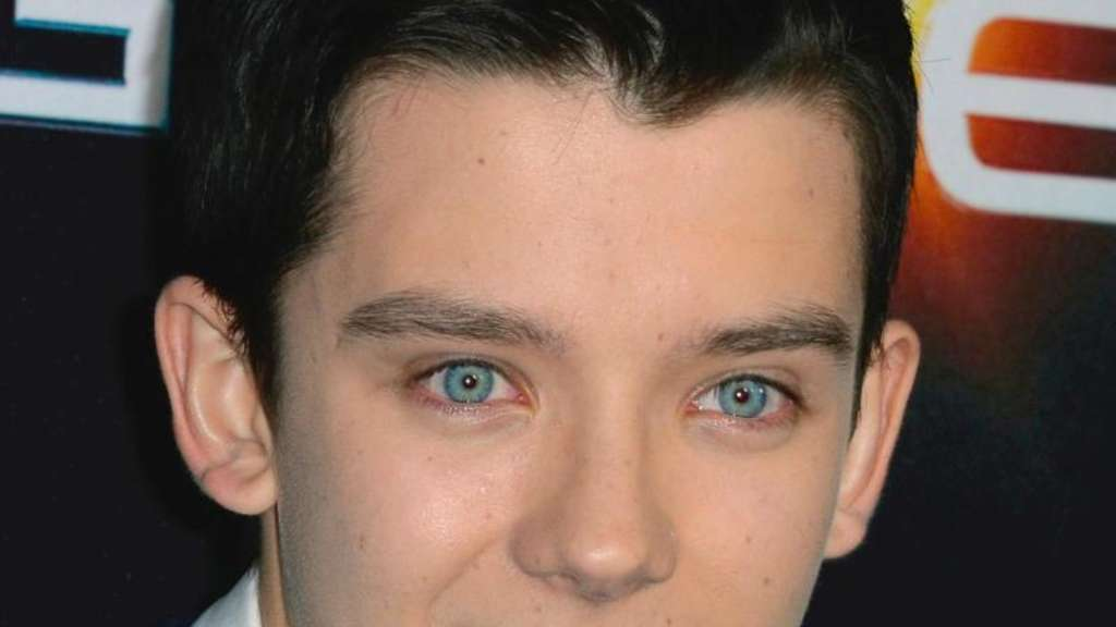 Asa Butterfield fliegt ins All. Foto: Paul Buck