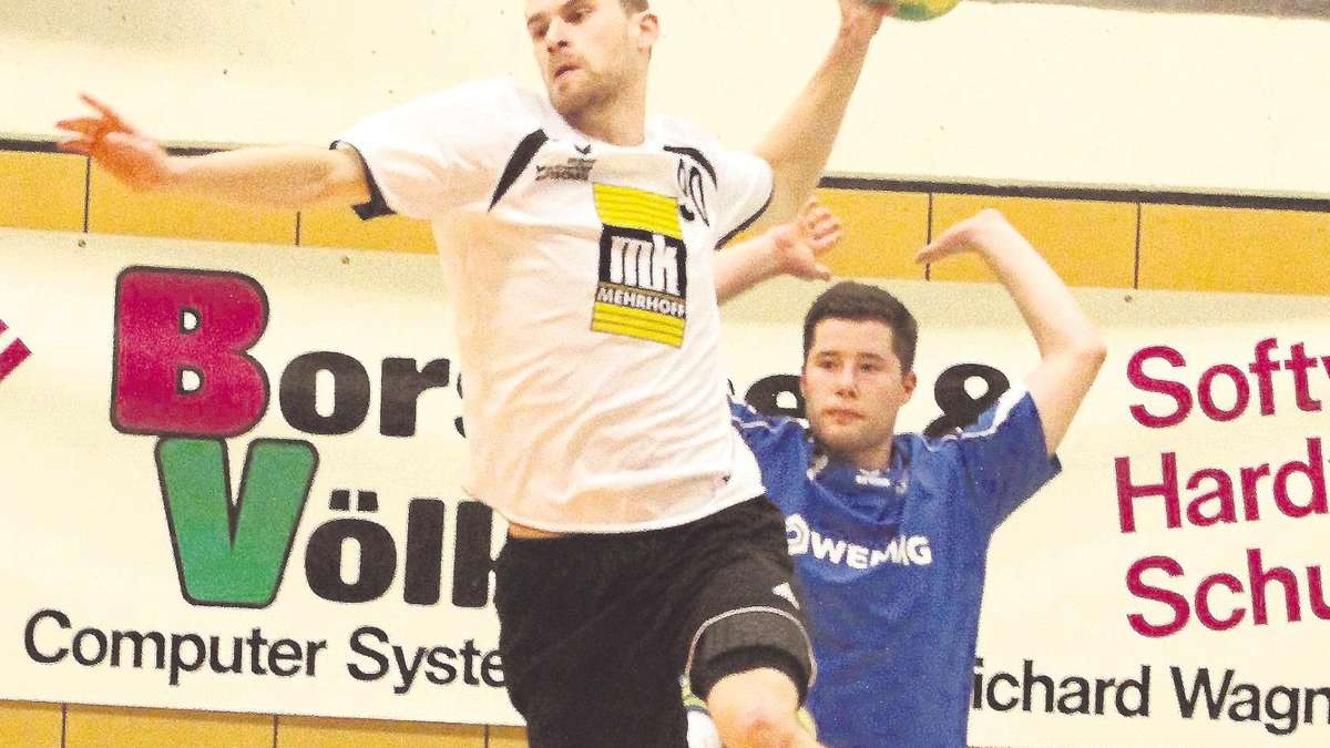Auf seine Tore hoffen die Korbacher Handballer auch gegen Hofgeismar/Grebenstein: Benjamin Buchloh mit starkem Tordrang. Foto: Görlich / nh
