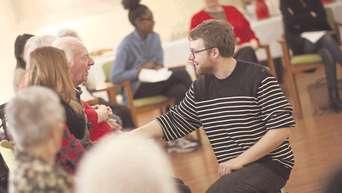 Mit Gedichten Werden Demente Senioren Geweckt Gesundheit